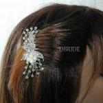 Rhinestone Flower Hair Comb..